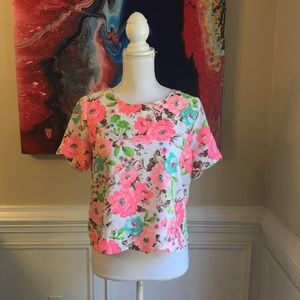 ALYTHEA Fluorescent Scallop Floral Crop Top Sz.L